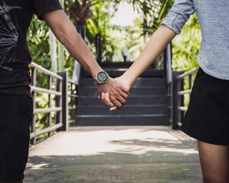 Apakah Memendam Perasaan Pada Orang Lain Bisa Dibilang Selingkuh?