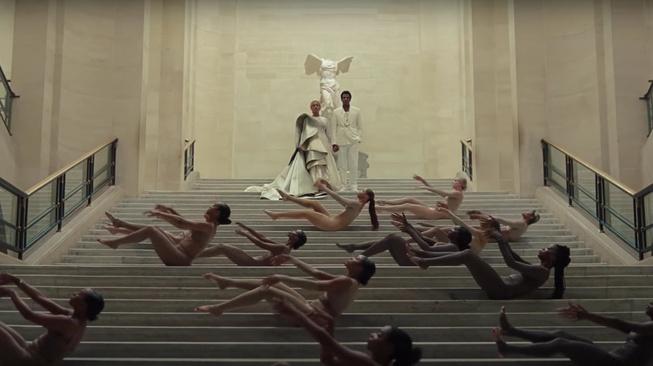 Beraksi di Louvre, Beyonce Tunjukkan Ia Bukan