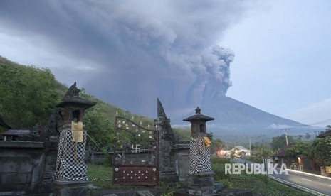 PVMBG Evaluasi Lagi Status Gunung Agung