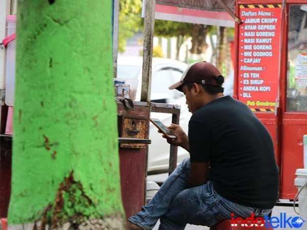 Pak Jokowi Diminta Batalkan Aturan Validasi IMEI Ponsel