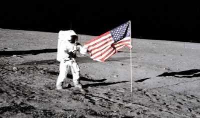 Bagaimana Cara Astronaut Mandi di Luar Angkasa?