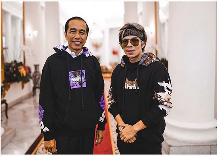 Atta Halilintar Foto Bareng Presiden Jokowi, Netizen Soroti Jaketnya
