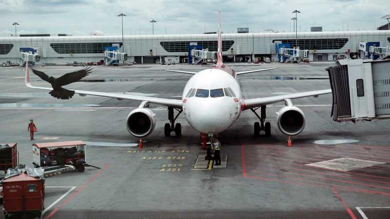 Kepanikan Penumpang AirAsia Saat Pesawat Tiba-tiba Jatuh