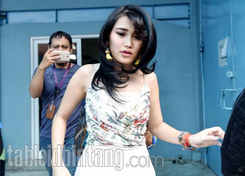 Unggah Foto Endorse, Ayu Ting Ting Ditegur Selebgram Malaysia