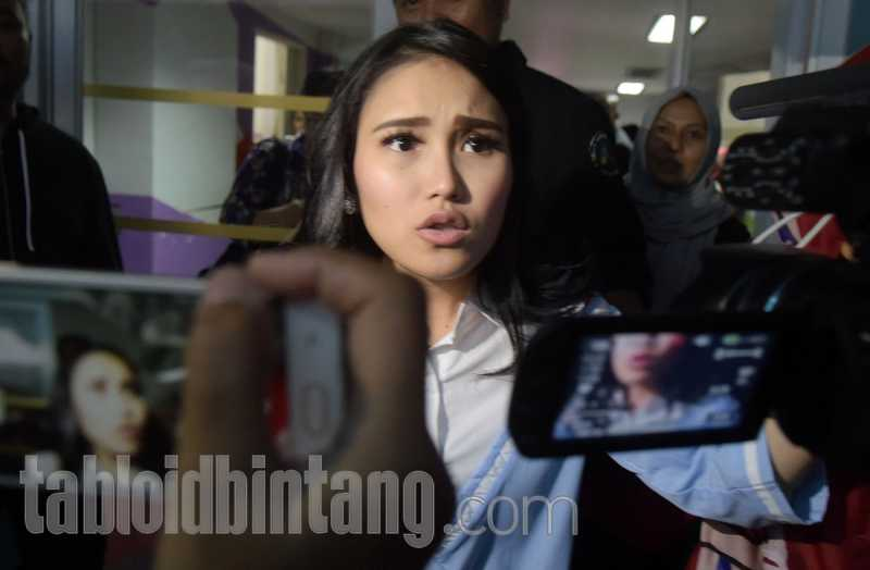 Ayu Ting Ting Serasa Jadi Pacar Boy William di Australia