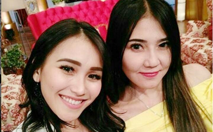 Ayu Ting Ting - Via Vallen Duet di Panggung Anugerah Dangdut Indonesia 2017