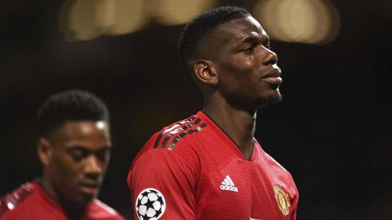 Suporter Man United 'Membunuh' Pogba