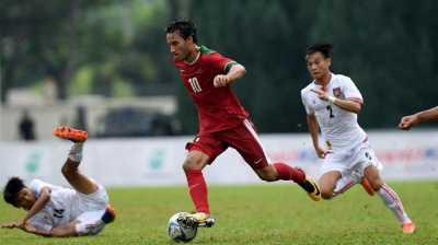 Ezra Walian: Sepak Bola di Indonesia Sangat Dahsyat