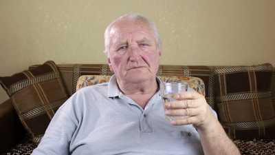 Berapa Batas Aman Minum Alkohol untuk Orang Lanjut Usia?