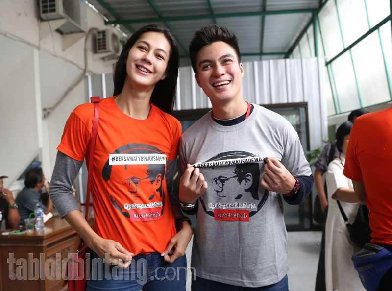 Baim Wong dan Paula Verhoeven Usung Adat Jawa Modern di Acara Lamaran