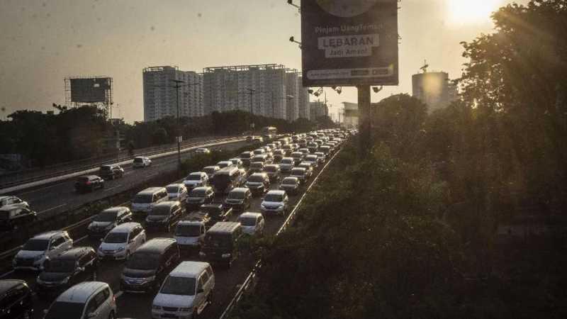 Tol Jakarta-Cikampek Kembali Padat usai Penutupan One Way