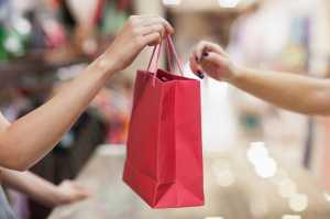 Berapa Lama Batas Kesabaran Pria Ketika Menemani Pasangannya Belanja?