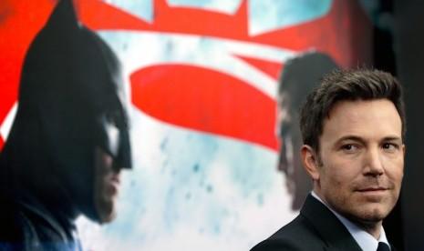 Ben Affleck Sanggah Tanggalkan Kostum Batman