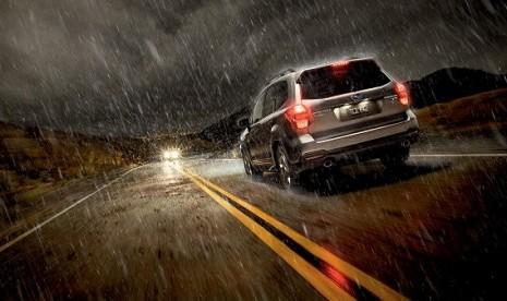 Tips Berkendara Aman di Musim Hujan Ala Chevrolet