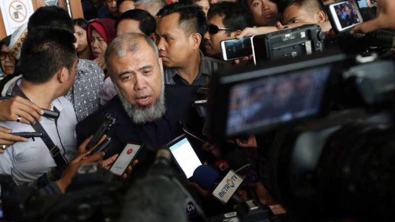 Patrialis Akbar Dihukum 8 Tahun Penjara