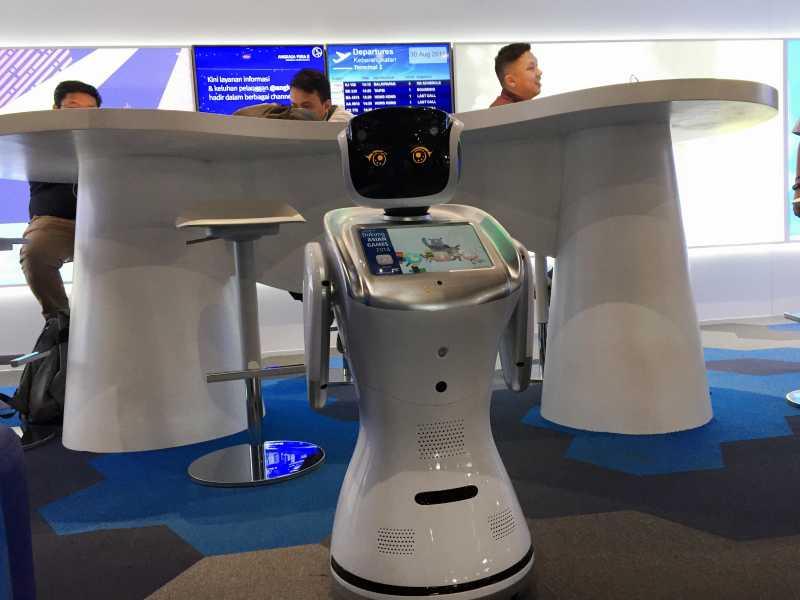 Bertemu Robot Pintar di Digital Lounge Bandara Soekarno Hatta