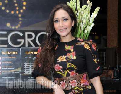 Maia Estianty Punya Teman Makan Suami Teman, Netizen Duga untuk Mulan Jameela