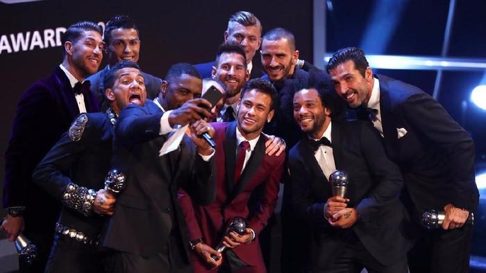 Semua Pemain Terbaik Dunia Ada di Foto Selfie Ini