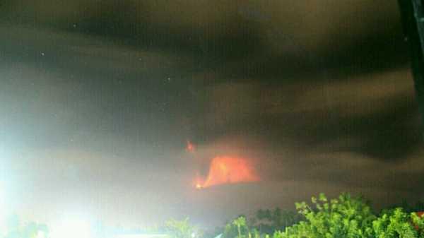 Gunung Soputan Erupsi, Tinggi Abu Vulkanik Capai 4,8 Km