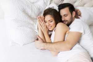 10 Trik Memanjakan Istri Agar Lebih Bergairah