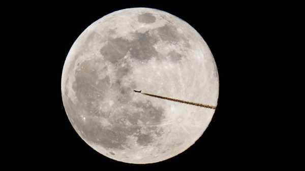 NASA Hendak Kirim Perempuan Pertamake Bulan Pada 2024