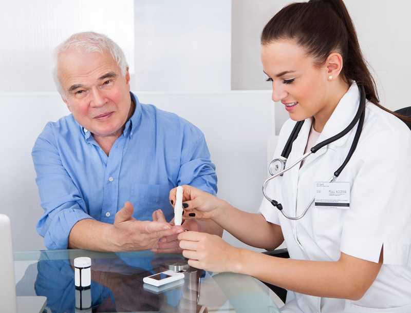 Pasien Diabetes Takut Ginjal Rusak Lalu Memilih Obat Tradisional, Padahal....