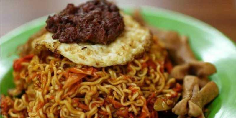 Cicipi Mi Terpedas Sedunia di Ubud Food Festival