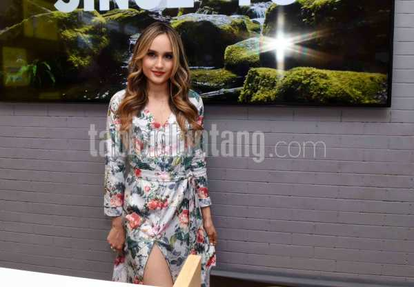 Cinta Laura Mengharumkan Nama Indonesia di Hollywood