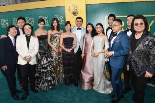 Pemain Crazy Rich Asians Tak Sadar Betapa Kuatnya Film Mereka