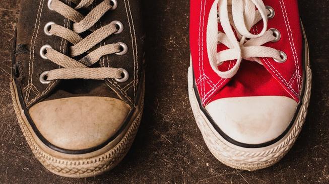 Biar Kaya, Asal Dekil: Kenapa Sepatu Lusuh Dijual Jutaan Rupiah?