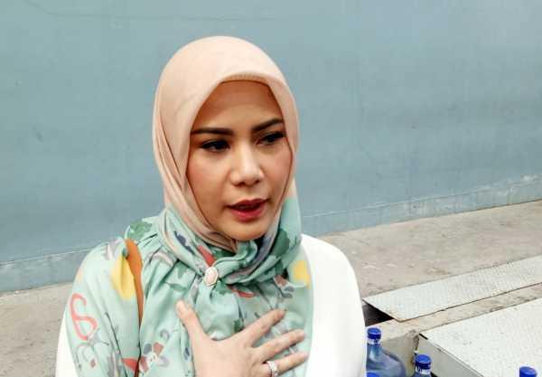 Hijrah, Cynthia Ramlan Putuskan Berhijab pada 16 Mei Lalu