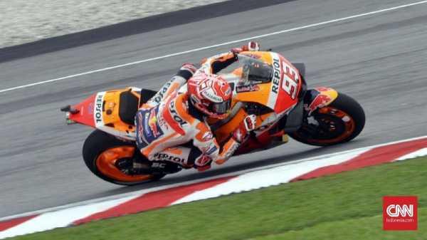 Cedera Bahu Tak Hentikan Marquez Jalani MotoGP Valencia 2018