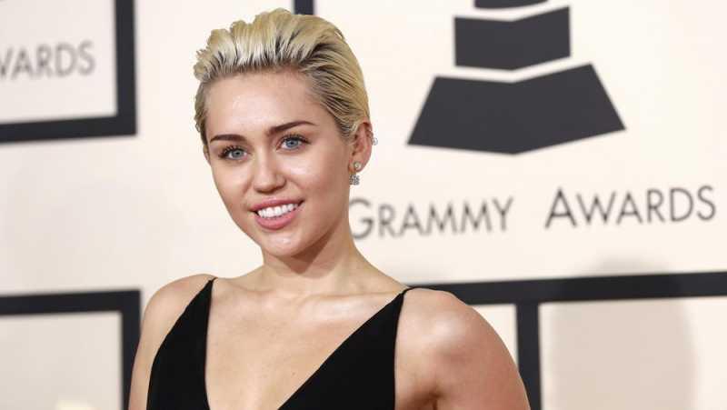 Miley Cyrus Merasa Waras usai Tinggalkan Ganja dan Alkohol