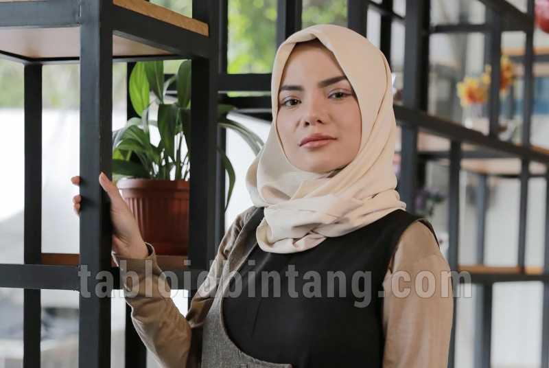Dinar Candy Tak Lagi Ingin Tampil Seksi, Netizen Duga Akan Hijrah