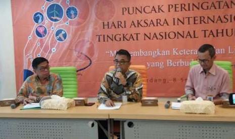 Sekitar 3 Juta Penduduk Indonesia Masih Buta Aksara