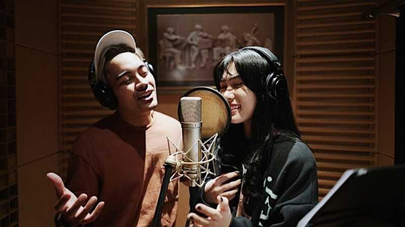 Duet Isyana Sarasvati dan Gamaliel untuk Film Aladdin