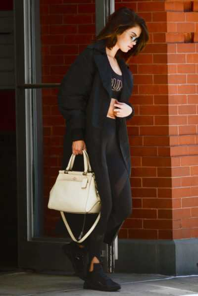 Baru Tranplantasi Hati, Selena Gomez Latihan Tinju