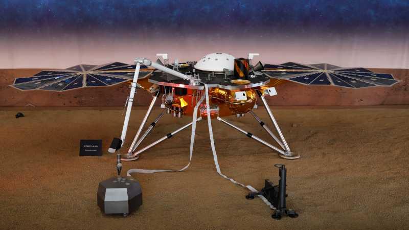 Lewati Teror 7 Menit, Robot InSight NASA Sukses Mendarat di Mars