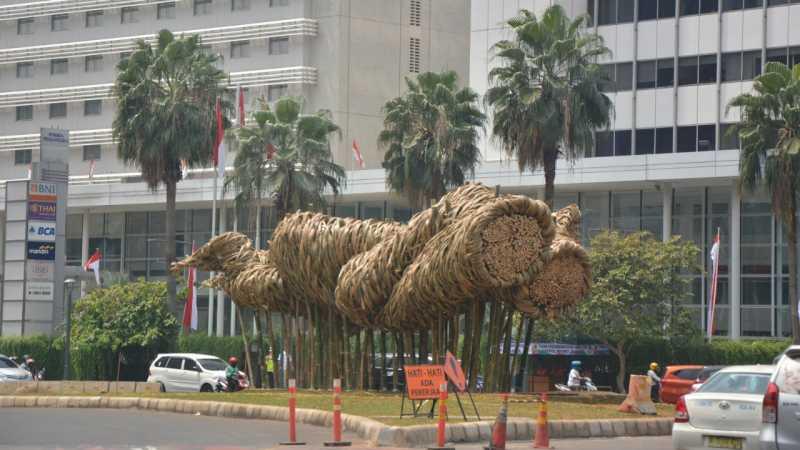 Joko Avianto Jawab Isu Soal Seni Bambu di HI Mirip Orang Bercinta