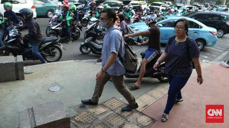 Rencana Anies Izinkan Motor Melintasi MH Thamrin Tuai Kritik
