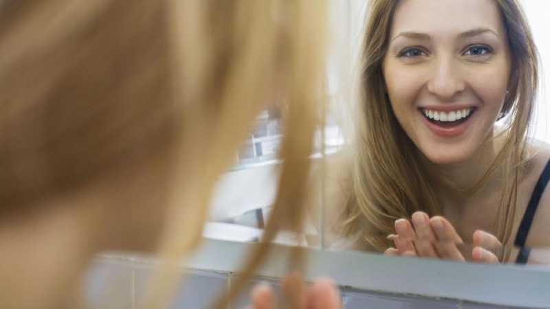 Alasan di Balik Senyum Bisa Bikin Awet Muda