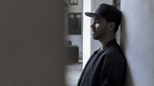 Tiga Identitas Mike Shinoda saat Konser