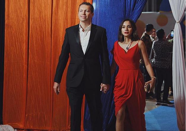 Pacaran 6 Bulan, Kirana Larasati dan Elliot Hawkins Belum Kepikiran Nikah