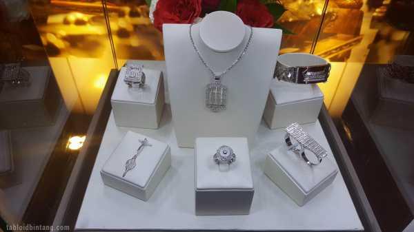 4 Hal Yang Mesti Diperhatikan Saat Membeli Perhiasan Emas