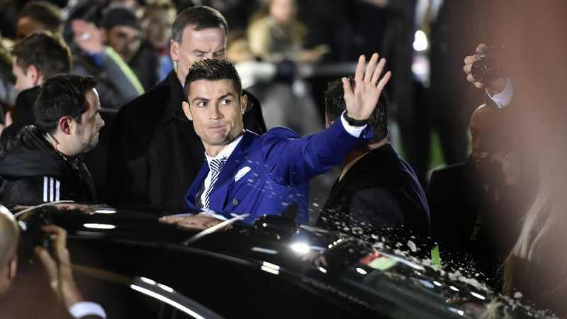 Ronaldo Pamer Mobil Baru Seharga Rp6,8 Miliar
