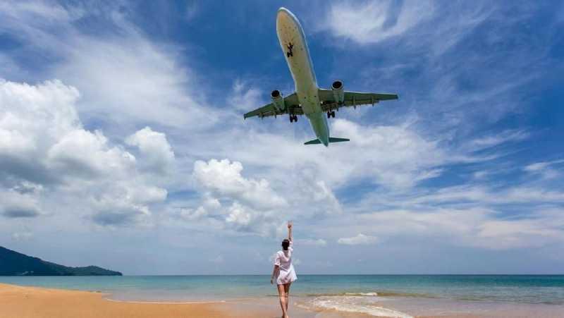 Phuket Larang Aksi Selfie Menjelang Pesawat Mendarat