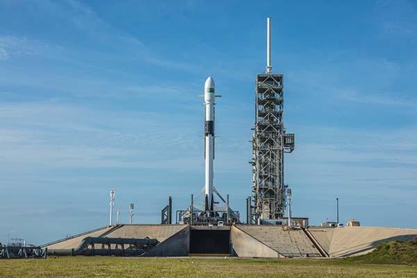 Roket Falcon 9 siap bawa satelit Merah Putih ke slot orbit