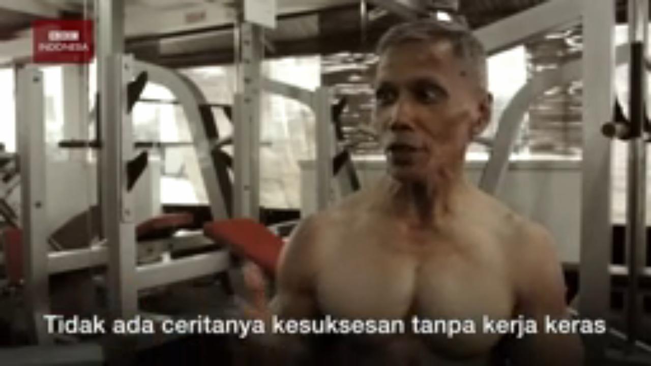 Gokil! Kakek Umur 60 Tahun Ini Punya Tubuh Binaragawan