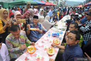 Mengembalikan nama baik Sate Padang lewat festival