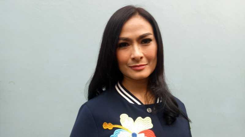 Respons Iis Dahlia Saat Dihujat karena Tak Penuhi Undangan Jokowi